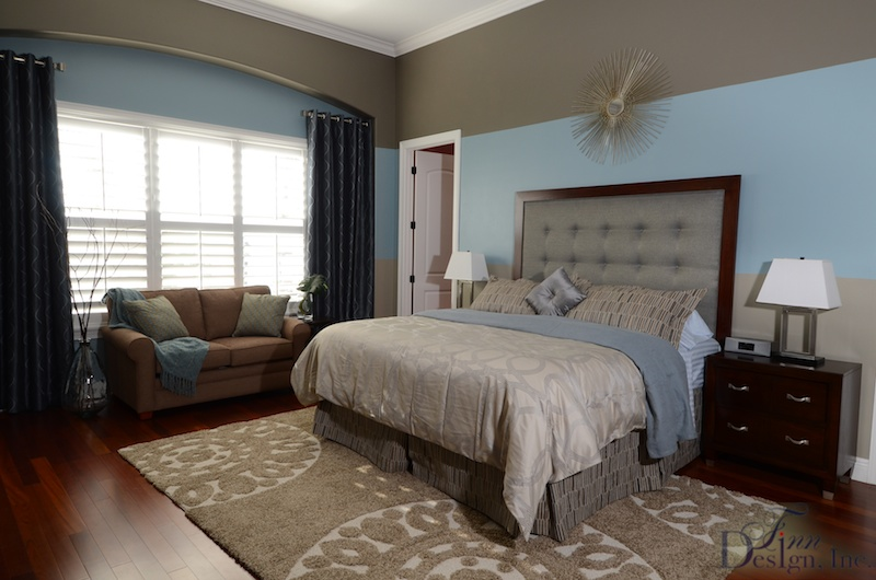 Beachy colors have a soothing effect in this room by Finn Design.